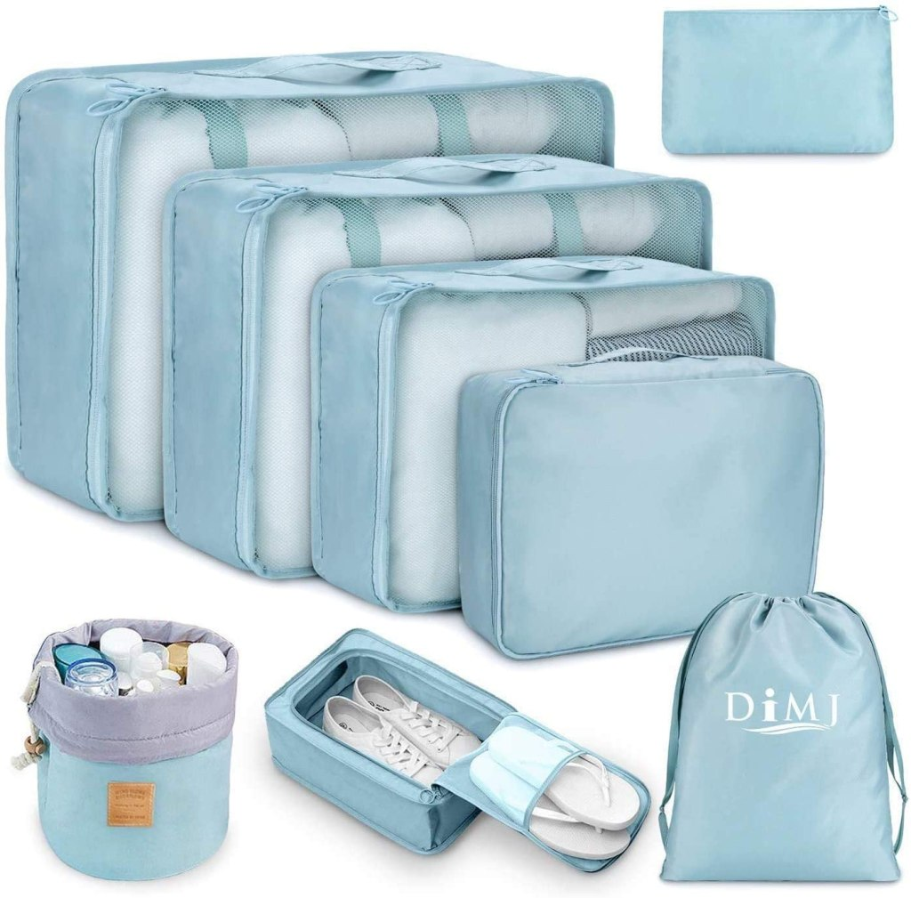 Gift for organized people: luggage organizer packing cubes