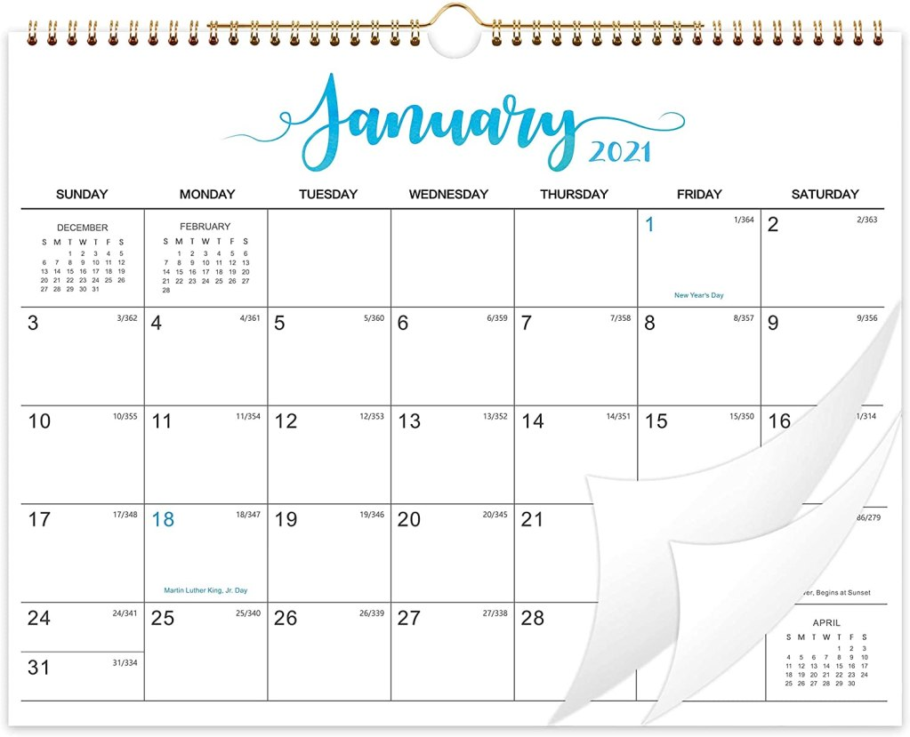 Gift for organized people: wall calendar