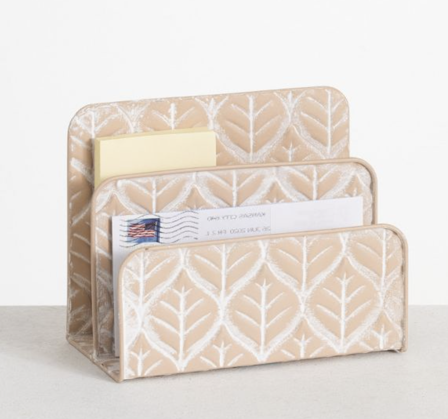 Trendy products for your workspace this summer - summer desk decor! summer desk accessories
